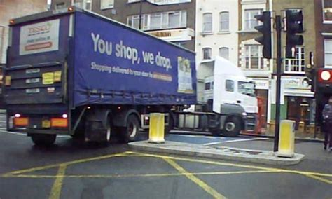taco boats tesco tesco driver causes road chaos by making illegal u turn in