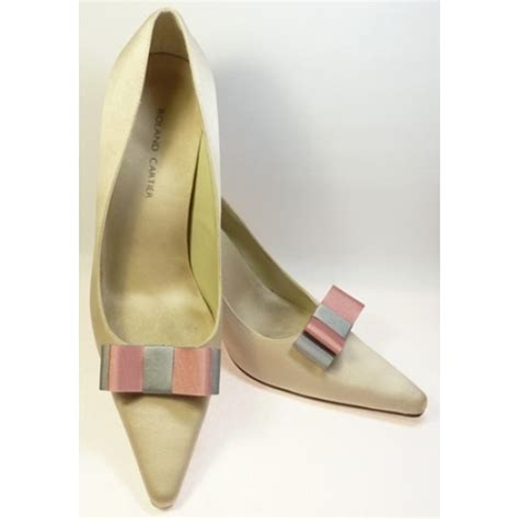 carlys grey tooth carly shoe bows