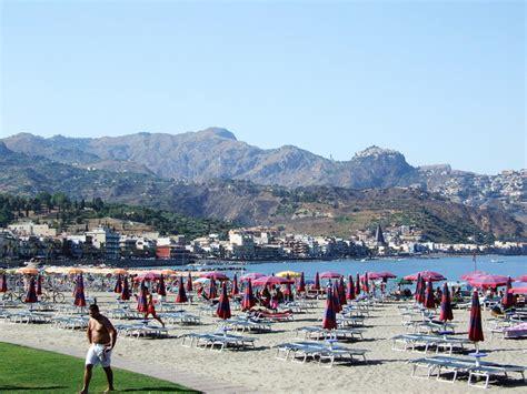 taormina e giardini naxos giardini naxos spiagge incredibili italiavai