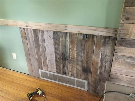 Pallet Wainscoting by Best 25 Waynes Coating Ideas On Wainscoting