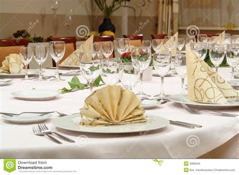 dinner setting dinner table setting stock photo image 3269240