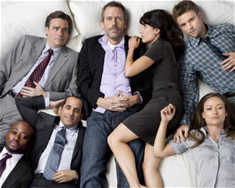 house season 8 cast it s official fox renews house for season 8 tvline tvline