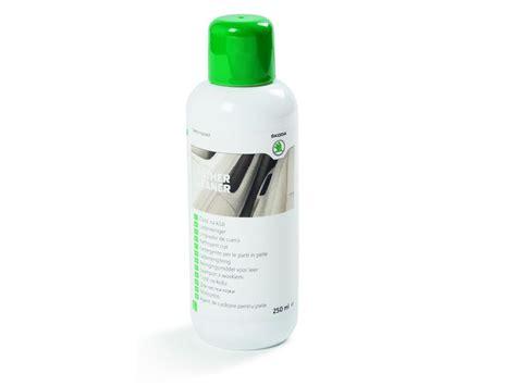 produit nettoyage canapé cuir produit de nettoyage auto et entretien cuir