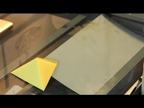 Fold Paper Into Triangle - how to fold paper into a 3 d triangle cube paper crafts