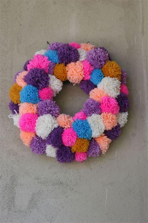 pom pom wreath tutorial rr