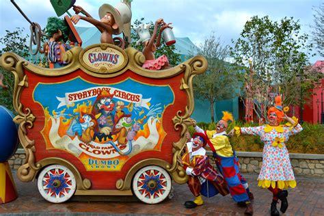 Disney Circus clowns invade storybook circus at magic kingdom the
