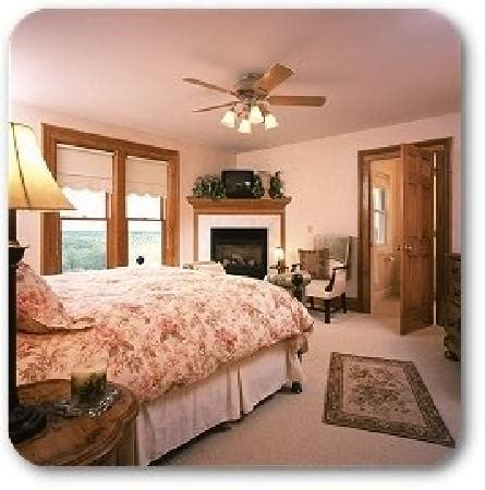 bed and breakfast traverse city antiquities wellington inn in traverse city antiquities
