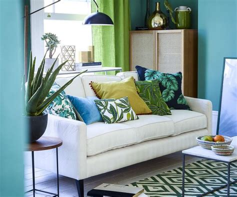 tropical themed living room using tropical accessories lestnic tropical decor living room home design plan