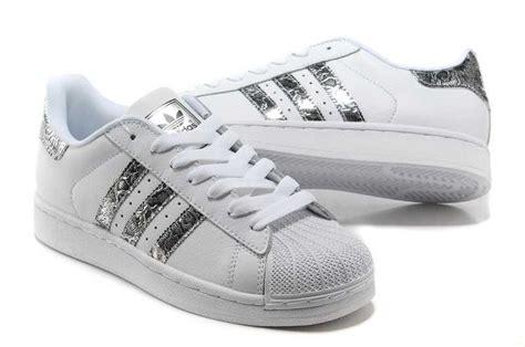 Adidas Superstar by Adidas Superstar Ii Tache Blanche Serpent D Argent