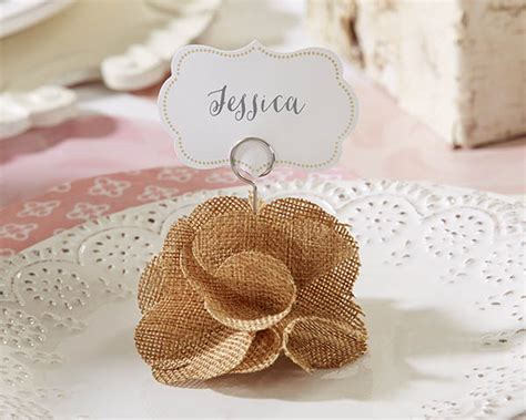 Handmade Place Card Holders - these burlap place card holders add a