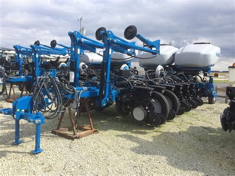 Kinze Planters For Sale by New Kinze 4900 16r30 Bulk Fill Planter For Sale