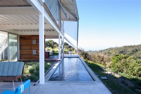 contemporary house with a ready to fly sensation in el