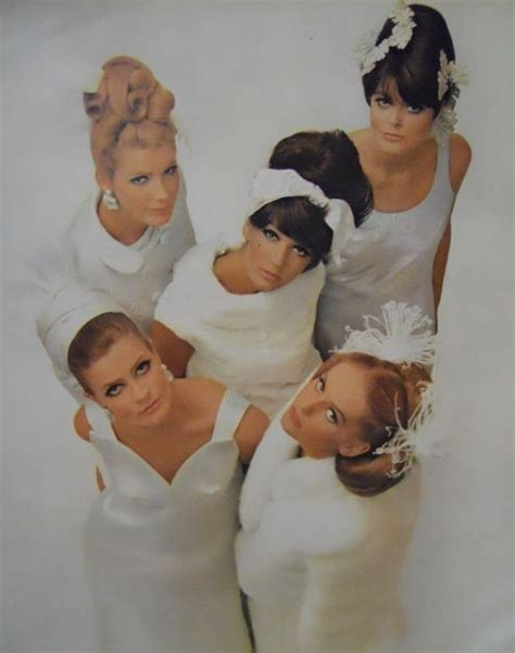 a sixties wedding theme to go for arabia weddings