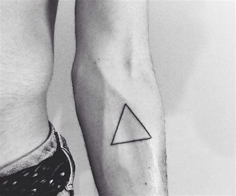 simple triangle tattoo simple triangle on the arm i it tattoos