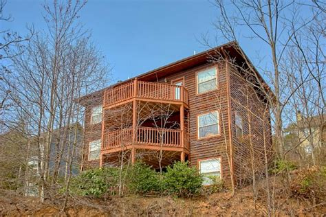 three bedroom cabins in gatlinburg tn quot second glance quot 3 bedroom luxury cabin in gatlinburg tn