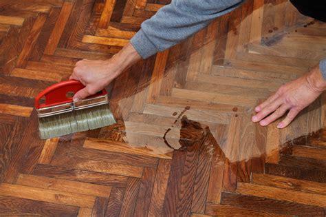 parkettboden pflegen parkettboden richtig pflegen anleitung in 3 schritten
