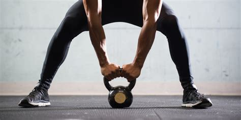 how to kettlebell swing how to do kettlebell swings askmen