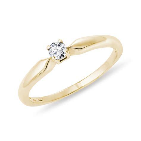 Goldene Verlobungsringe by Klenota Goldener Verlobungsring Mit Einem Diamanten