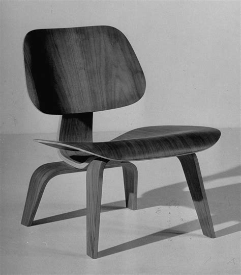 Charles And Eames Furniture by Charles And Eames Photos Of The Legendary Designers