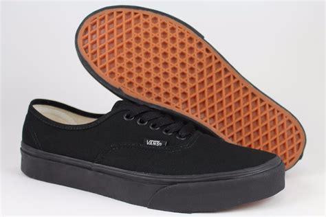 vans authentic black mono classic skate