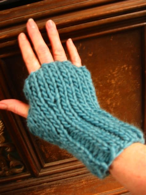 Crochet Fingerless Gloves Free Pattern Free Patterns