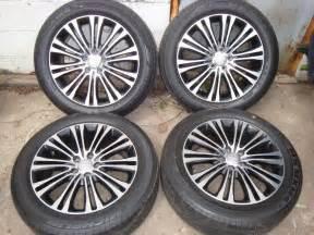 Chrysler 300 Rims And Tires 2011 14 Chrysler 300 Awd Factory 19x7 5 10 Spoke Wheels