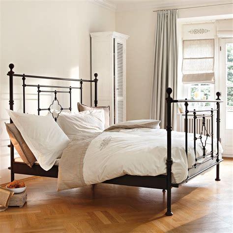 schlafzimmer mit metallbett elegantes schlafzimmer mit metallbett bauemotion de