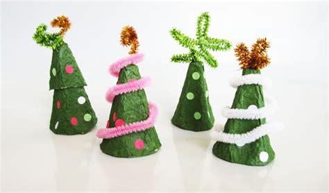 4h christmas tree from old egg carton got eggs make an eggcellent tree craft yummymummyclub ca