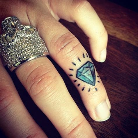 diamond tattoo on finger 26 astonishing finger designs