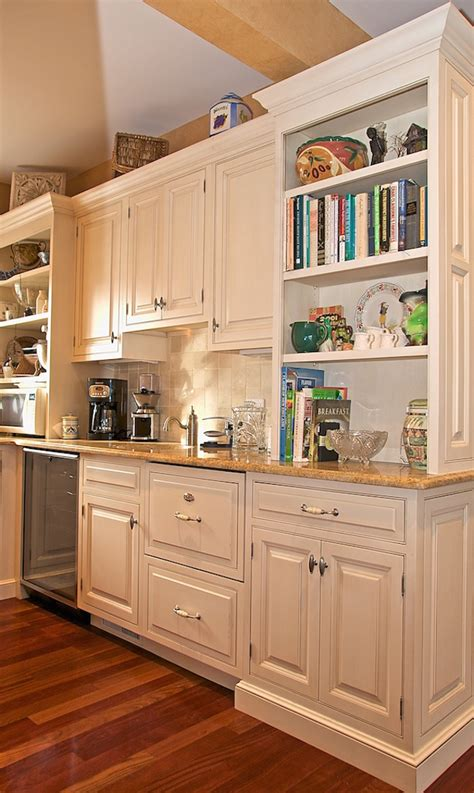 inspiring kitchen designs 20 inspiring traditional kitchen designs feed inspiration