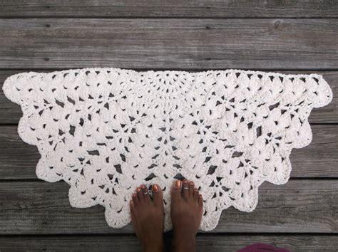 soft ecru cotton crochet rug in half circle 16 x