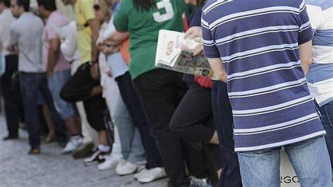 oficina del paro las palmas el desempleo juvenil se dispara pese a los sucesivos