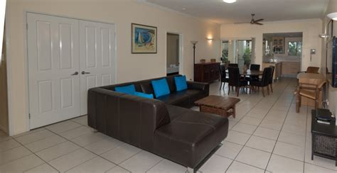 2 bedroom apartments cairns cairns accommodation holiday apartments cairns central