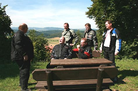 Motorrad Fahrsicherheitstraining Hof by Winni Scheibe Pressemeldung Honda Motorradtouren 2009
