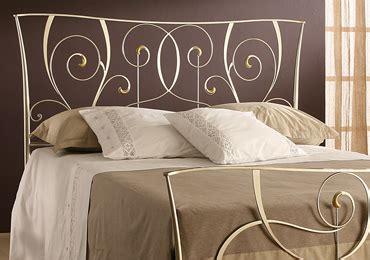 letti di ferro battuto moderni letti in ferro battuto artigianali un classico senza tempo