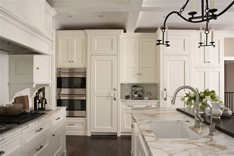 kitchen cabinets craftsman style craftsman style kitchen cabinets roselawnlutheran