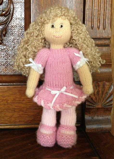 knitted doll pin by sue on make it knits and yarn