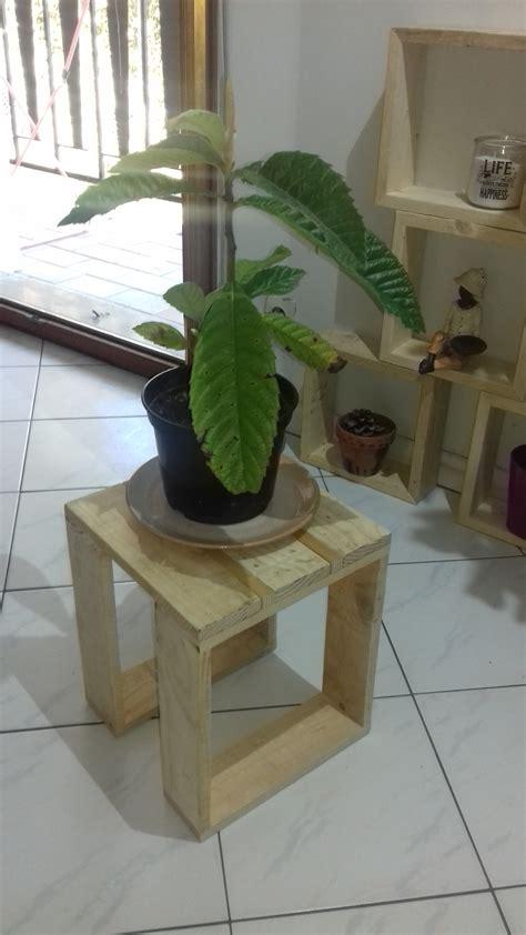 Tabouret Plante by Tabouret Pour Plante Maison Design Apsip
