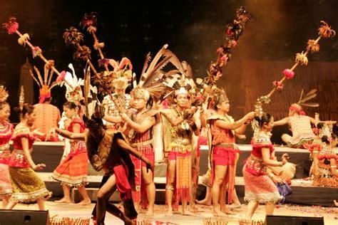bahasa malaysia perayaan perayaan  malaysia gawai dayak