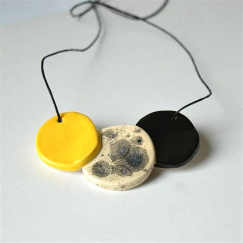 Kalung Shourouk 25 best ideas about yellow statement necklaces on