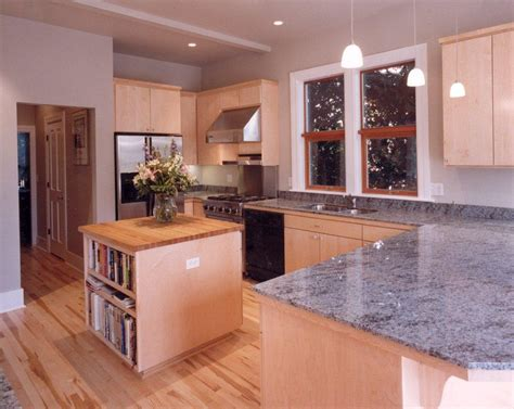 kitchen cabinets with light granite countertops light grey granite countertop roselawnlutheran