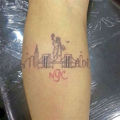 tattoo of nyc 20 magnificent skyline tattoos skyline tattoo tattoo