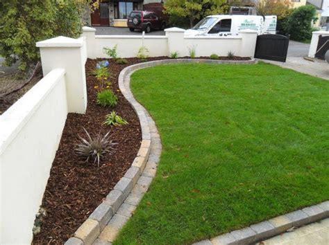 Garden Edge Ideas Landscape Edging Ideas Around Trees Inexpensive