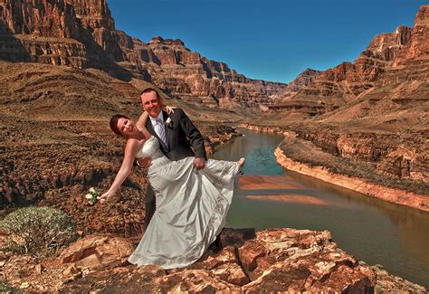Outdoor Las Vegas Weddings & Wedding Photography