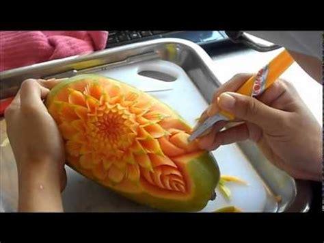 membuat manisan dari buah mangga ukiran buah betik cara mengukir daun 1 youtube