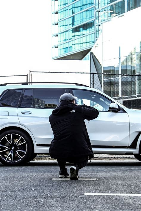 bmw nyc photoshoot with the bmw x7 in new york city