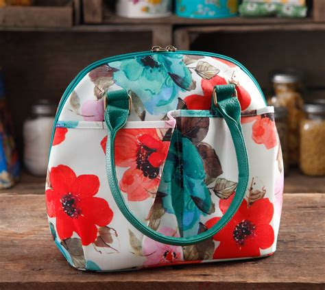 The Pioneer Woman Giveaways - pioneer woman lunch totes winners the pioneer woman