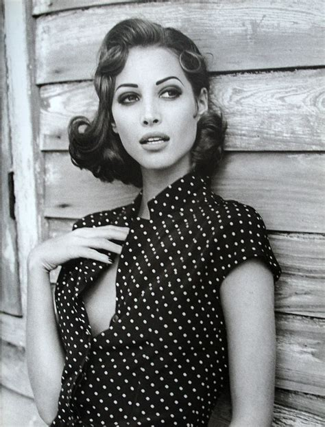 christy turlington short hairstyle 192 best images about christy turlington on pinterest