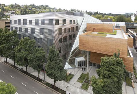 Mba Portland Oregon by Photos Psu S Karl Miller Center Open For Business Daily