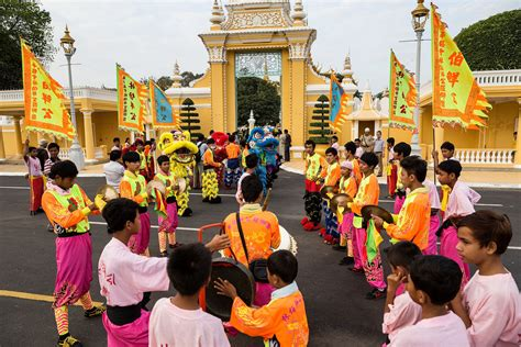 chinese new year celebrated in cambodia zimbio
